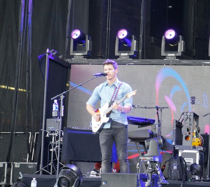 Nick Jonas in sound check in Toronto 2013