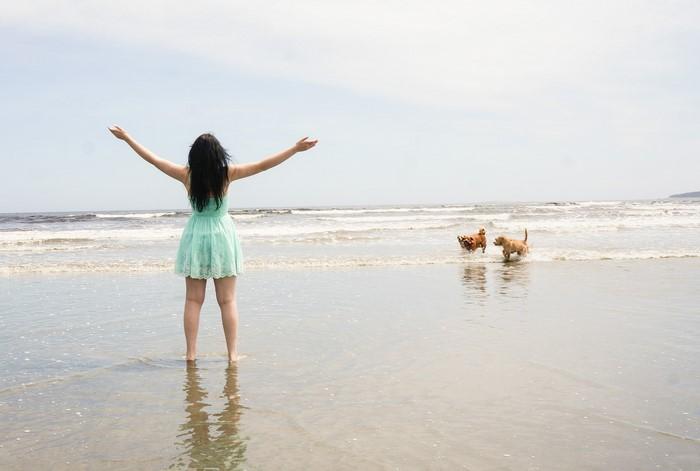 sage_teal_guess_dress_beach