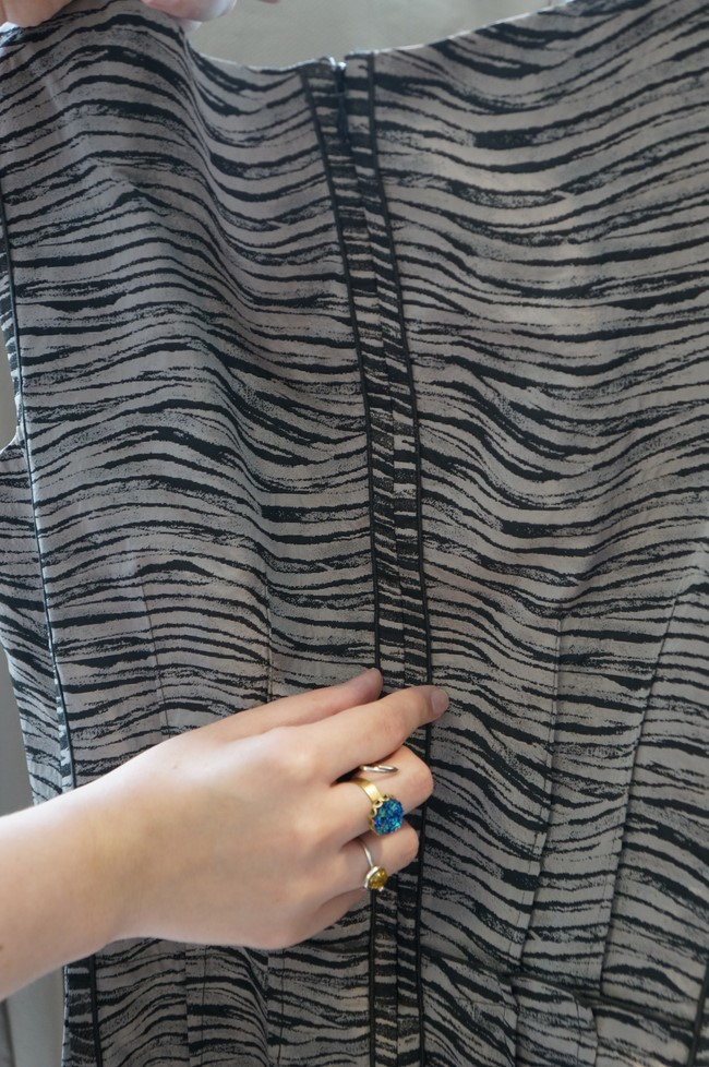 lafayette148_grey_dress_detail