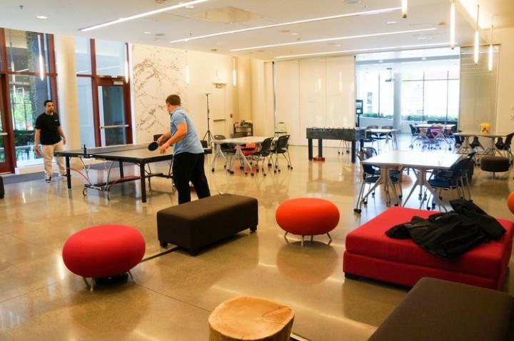 university_washington_microsoft_lounge