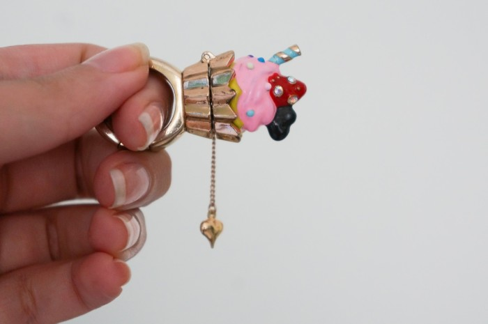 Betsey Johnson ice cream ring with heart charm