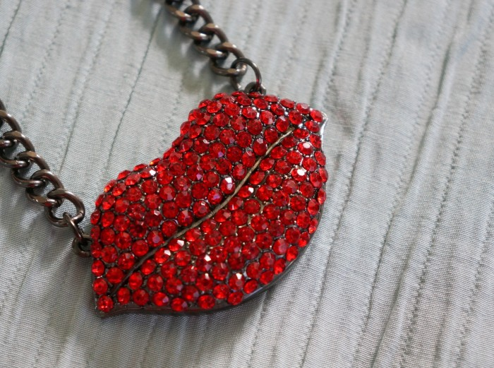 Le Chateau lips bling necklace