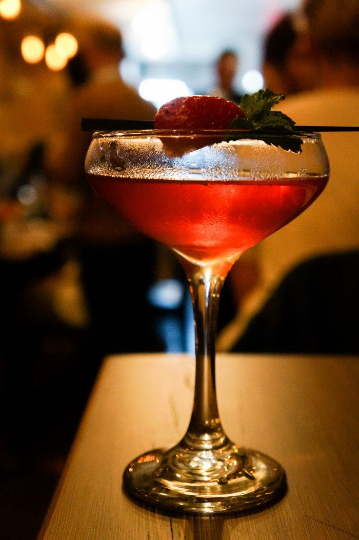 strawberry_cocktail_thorougbred_food_and_drink