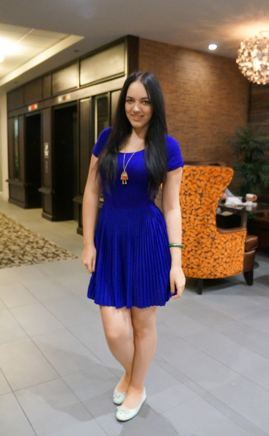 electric_blue_pleated_dress_grace_hopper_2014_2