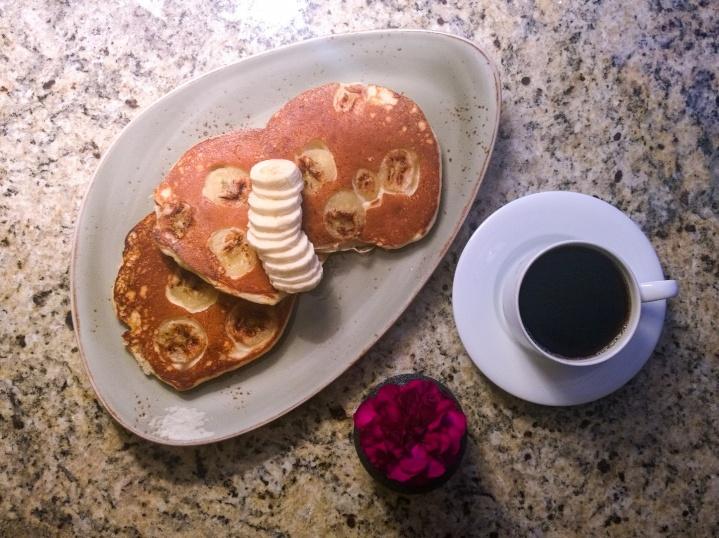 banana_pancakes_four_seasons_vancouver