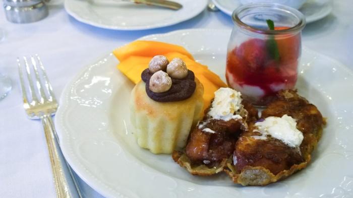 fairmont_olympic_breakfast_cakes_seattle