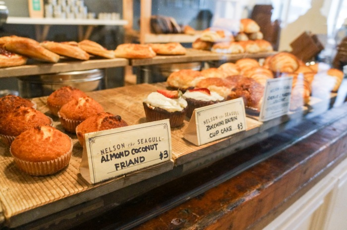 trendy_techie_exploring_vancouver_nelson_seagull_bakery_1