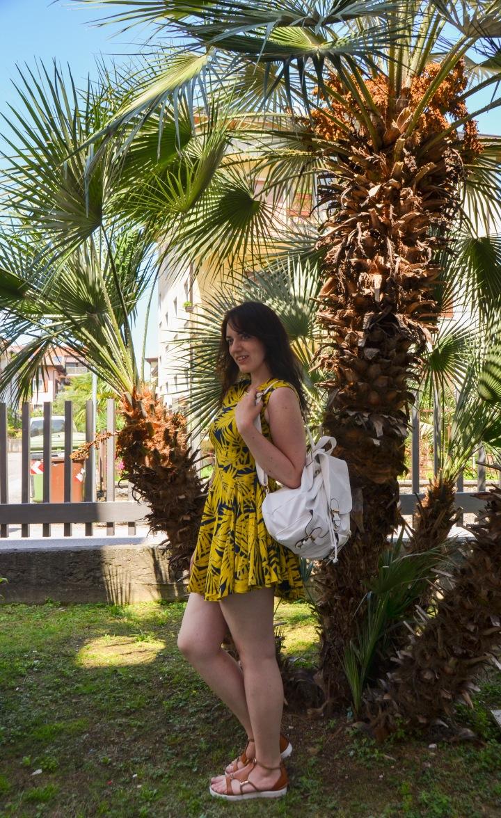 italian_beach_day_riva_del_garda_sage_11