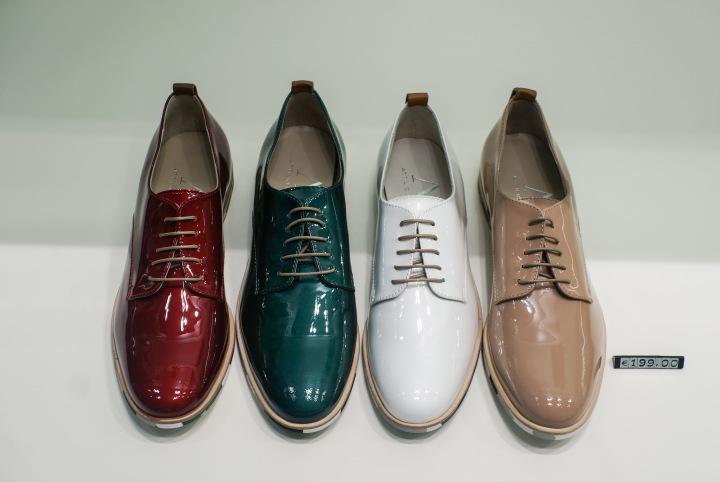 fancy_shiny_mens_shoes_italy