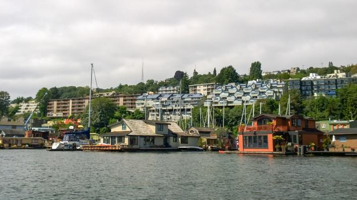 lake_washington_sleepless_in_seattle_boat_house_trendy_techie
