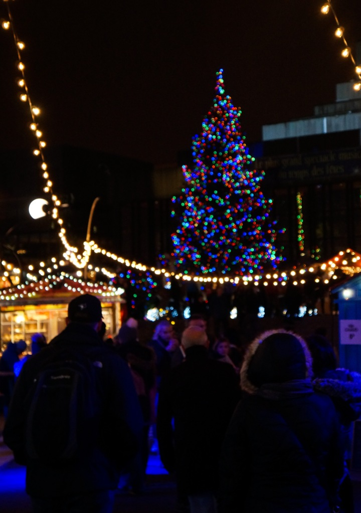 montreal_place_des_arts_winter_christmas_market_tree