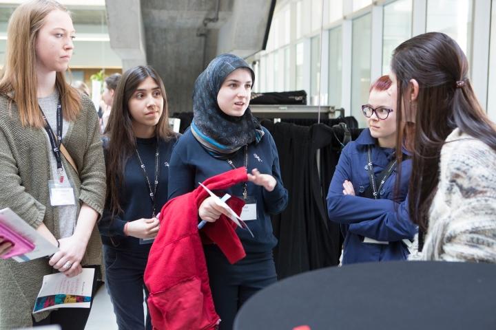 perimeter_institute_inspiring_future_women_in_science_2016_mentor_networking_2
