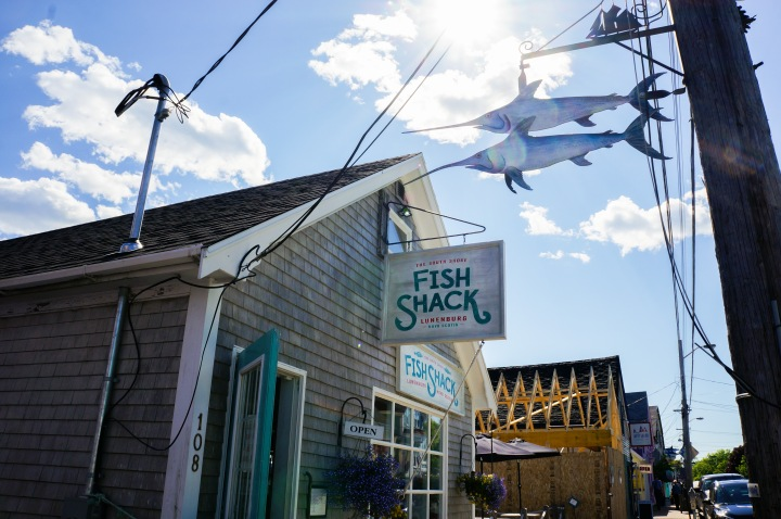 lunenburg_south_shore_fish_shack_nova_scotia_trendy_techie_travel_1