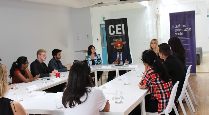 minister_bains_youth_entrepreneurship_roundtable_canada