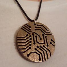 sci_chic_circuit_board_necklace