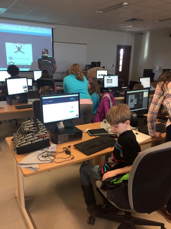 code-heroes-cornwall-ontario-kids-coding-2