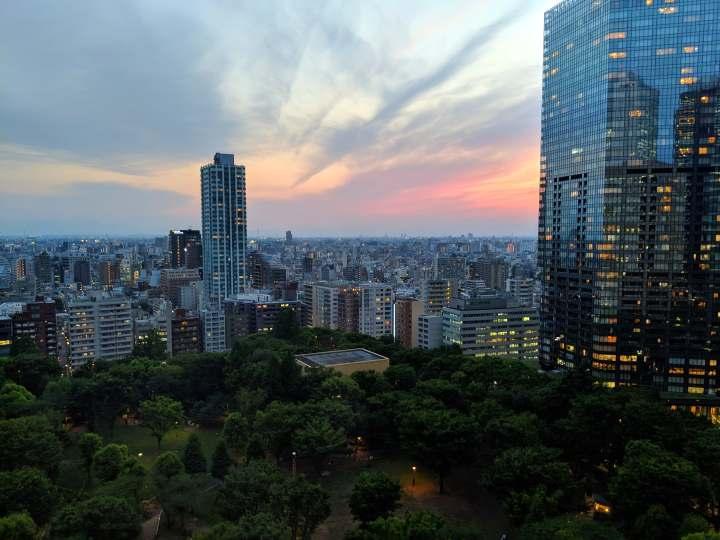 hyatt_regency_tokyo_sunset_view_sage_franch_trendy_techie.jpg